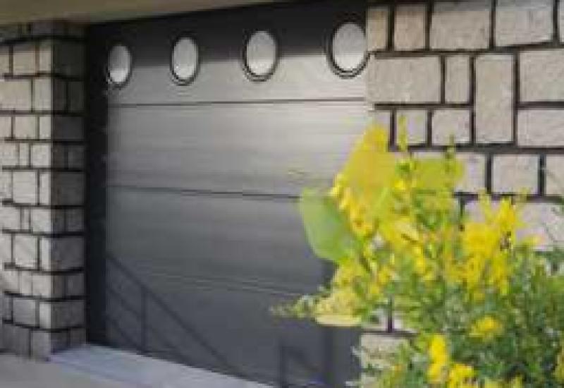 Porte de garage sectionnelle - Menuiserie